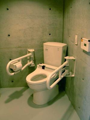 1F車椅子用トイレ